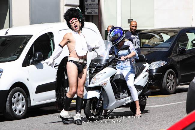 1 - Yes we Cannes - Festival de Cannes 2015 - Crazy Horse Guard - 20052015 (c) Benjamin Dubuis 2015