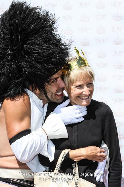 10 - Yes we Cannes - Festival de Cannes 2015 - Crazy Horse Guard - 22052015 (c) Benjamin Dubuis 2015
