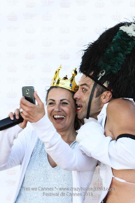 13 - Yes we Cannes - Festival de Cannes 2015 - Crazy Horse Guard - (c) Benjamin Dubuis 2015