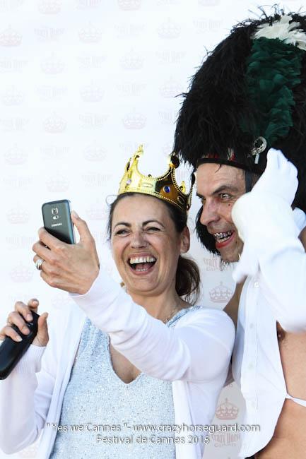 14 - Yes we Cannes - Festival de Cannes 2015 - Crazy Horse Guard - (c) Benjamin Dubuis 2015