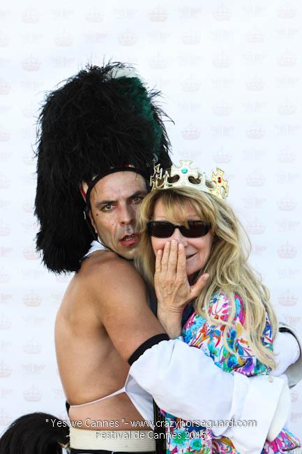 17 - Yes we Cannes - Festival de Cannes 2015 - Crazy Horse Guard - (c) Benjamin Dubuis 2015