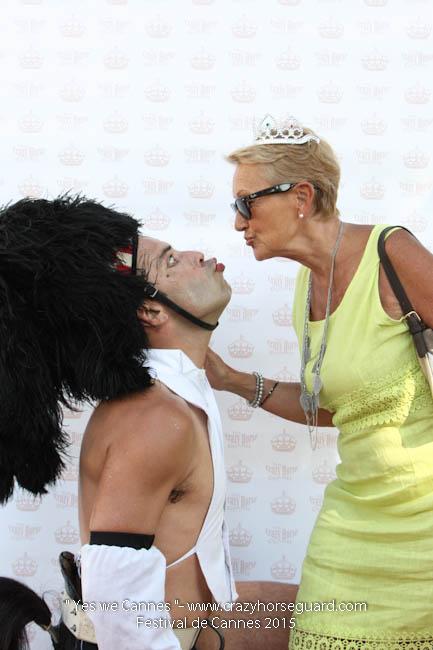 2 - Yes we Cannes - Festival de Cannes 2015 - Crazy Horse Guard - (c) Benjamin Dubuis 2015