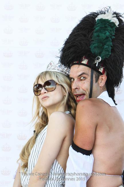 20 - Yes we Cannes - Festival de Cannes 2015 - Crazy Horse Guard - (c) Benjamin Dubuis 2015