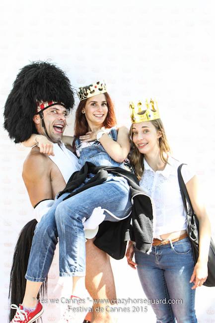 22 - Yes we Cannes - Festival de Cannes 2015 - Crazy Horse Guard - 20052015 (c) Benjamin Dubuis 2015