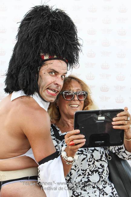 3 - Yes we Cannes - Festival de Cannes 2015 - Crazy Horse Guard - (c) Benjamin Dubuis 2015