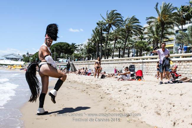 4 - Yes we Cannes - Festival de Cannes 2015 - Crazy Horse Guard - 22052015 (c) Benjamin Dubuis 2015