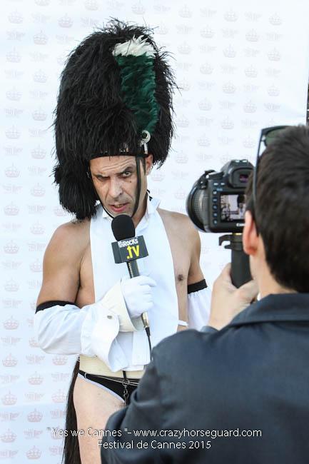 49 - Yes we Cannes - Festival de Cannes 2015 - Crazy Horse Guard - (c) Benjamin Dubuis 2015