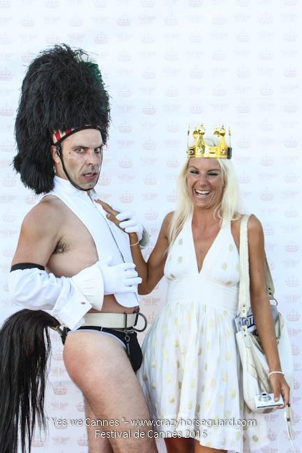 52 - Yes we Cannes - Festival de Cannes 2015 - Crazy Horse Guard - (c) Benjamin Dubuis 2015