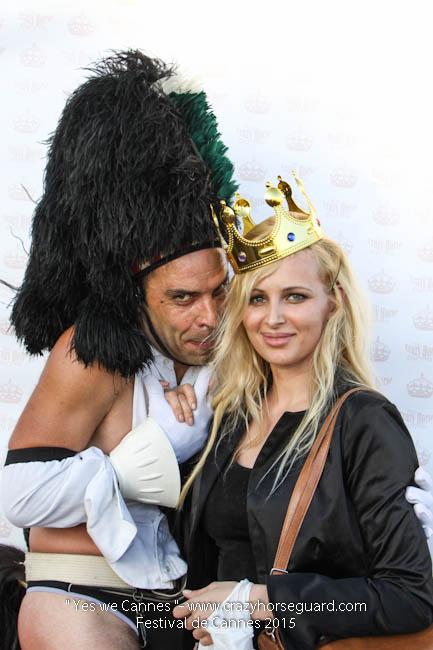 61 - Yes we Cannes - Festival de Cannes 2015 - Crazy Horse Guard - (c) Benjamin Dubuis 2015