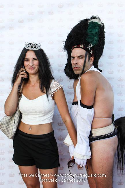 63 - Yes we Cannes - Festival de Cannes 2015 - Crazy Horse Guard - (c) Benjamin Dubuis 2015
