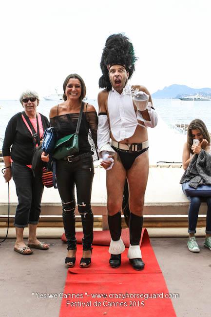 7 - Yes we Cannes - Festival de Cannes 2015 - Crazy Horse Guard - 21052015 (c) Benjamin Dubuis 2015