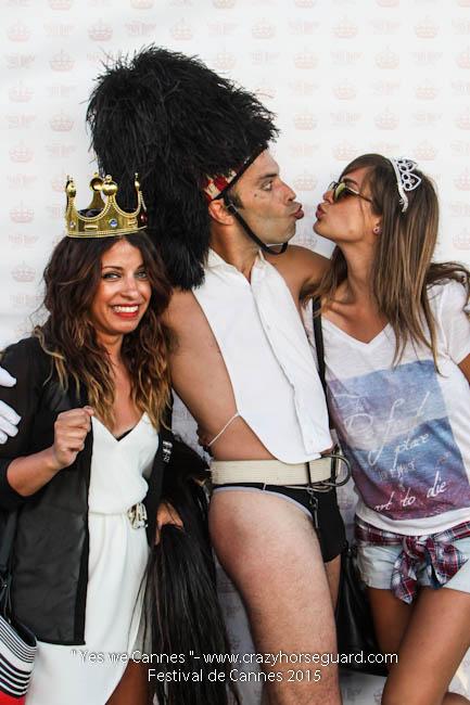 91 - Yes we Cannes - Festival de Cannes 2015 - Crazy Horse Guard - (c) Benjamin Dubuis 2015