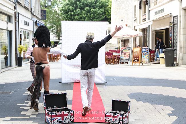 21 - Crazy Horse Guard Blois 15 Juin 2016 - Cie Le Muscle © Benjamin DUBUIS 2016 - Format 650 px