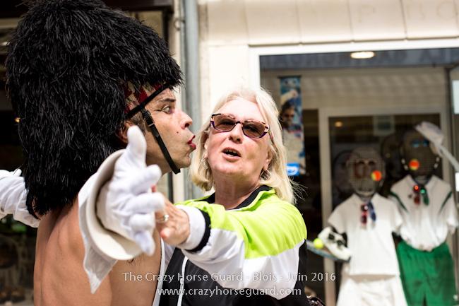 58 - Crazy Horse Guard Blois 15 Juin 2016 - Cie Le Muscle © Benjamin DUBUIS 2016 - Format 650 px