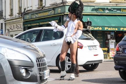 63 - Crazy Horse Guard in Chalon dans la Rue - Juillet 201 Cie Le Muscle 2016 - 1500 px