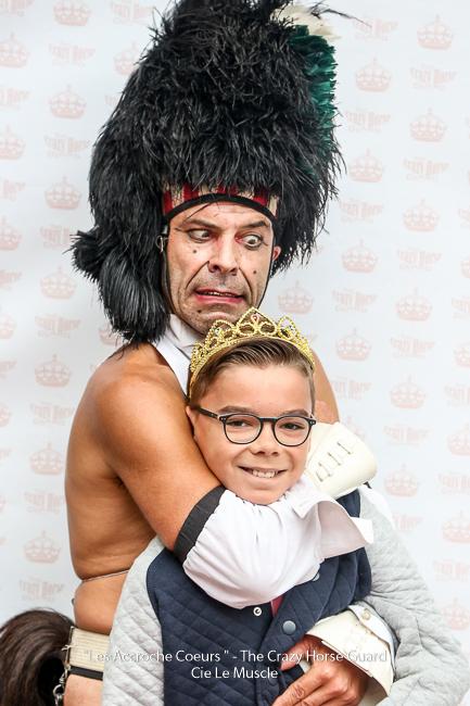 120 - Les Accroche Coeurs - The Crazy Horse Guard Format HD - Cie Le Muscle 2017