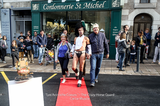 58 - Les Accroche Coeurs - The Crazy Horse Guard Format HD - Cie Le Muscle 2017